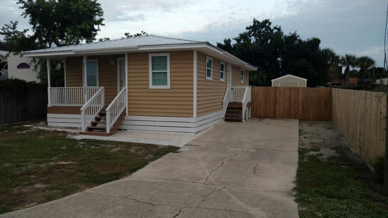 ideal family beach cottage 6 person go cottage in panama city